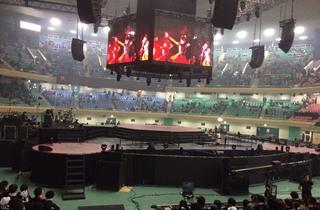 公演前のステージ